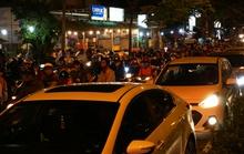 Kẹt xe kinh hoàng suốt 5 giờ ở đường Phạm Văn Đồng