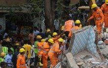Một ngày sập 2 tòa nhà, 15 người thương vong