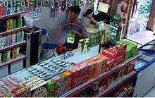 Phó phòng của Bộ KH-CN gặp sự cố khi mua sắm tại Nhật Bản
