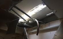 Kinh hãi 2 thanh sắt từ tầng 27 cao ốc lao cắm xuống nhà dân