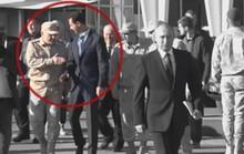 Binh sĩ Nga chặn tổng thống Syria lại gần ông Putin