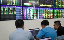 VN-Index vượt mốc 900 điểm