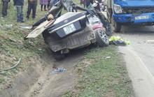 Xế hộp đấu đầu xe tải, 4 người chết, 1 người bị thương