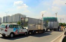 5 ô tô tông nhau trên đại lộ Mai Chí Thọ