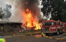 Mỹ: Máy bay lại lao xuống nhà dân, 5 người thương vong