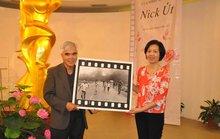 Tặng ảnh Em bé Napalm cho Bảo tàng Phụ nữ Việt Nam
