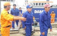 Cứu 23 ngư dân gặp nạn trên biển
