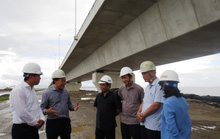 Cầu vượt biển dài nhất Việt Nam đầy lỗi: Phê bình 3 đơn vị