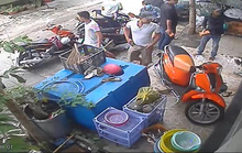Clip: Giang hồ dội mưa gạch vào nhà dân ở quận Bình Thạnh
