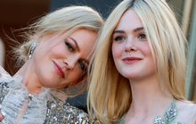 Elle Fanning đọ sắc Nicole Kidman trên thảm đỏ