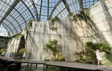 Thác nước lung linh trong sô thời trang Chanel