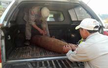 """Lại phát hiện bom """"khủng"""" ở Cửa khẩu Lao Bảo"""