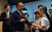 Tỷ phú Nhật đầu tư vào 96 tài năng trẻ để họ thay đổi thế giới