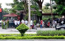 Dân Sầm Sơn kéo tới UBND tỉnh Thanh Hóa đòi việc làm