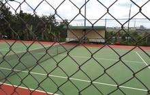 UBND xã nghèo vẫn xây sân tennis