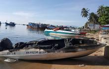 Ca nô chở khách đi Điệp Sơn nghi bị đốt cháy vì cạnh tranh