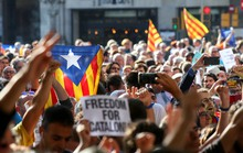 Chính phủ Tây Ban Nha dịu giọng với người xứ Catalonia