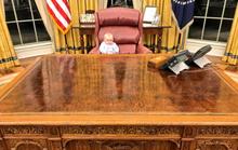Cháu nội Tổng thống Trump vất vả trong phòng Bầu dục