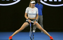 Mỹ nhân quần vợt Bouchard diện bikini tím bỏng mắt