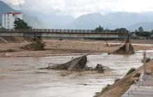 Yên Bái: Tan hoang sau lũ dữ