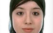 Cưới tay súng IS, cô dâu được tặng... đai thuốc nổ