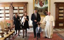 Quý tử của thủ tướng Croatia đại náo cuộc gặp Giáo hoàng Francis