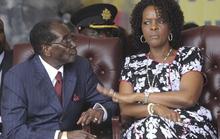 Hai người vợ tạo nên cuộc đời tổng thống Zimbabwe
