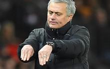 Mourinho: Cầu thủ Man City mong manh, dễ ngã