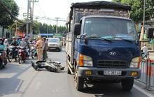 TP HCM: Cô gái trẻ bị xe tải cuốn vào gầm, kéo lê 20 m