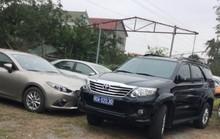 Hàng chục xe biển xanh dự tiệc cưới con trai lãnh đạo tỉnh Quảng Bình