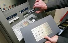 Lật tẩy chiêu trò đánh cắp tiền từ ATM ở TP HCM