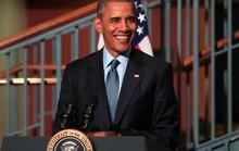 """Cựu TT Obama """"tái xuất"""" bằng bài phát biểu ở quê nhà"""
