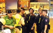 CLIP: Trắng đêm trấn áp quái xế ở TP HCM