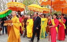 Hàng ngàn người dự khai hội chùa Bái Đính