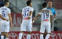 Thuê hết trọng tài ngoại thì còn gì là bóng đá Việt !