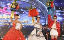 Quán quân Sao Mai khóc nghẹn khi nhận mưa giải thưởng