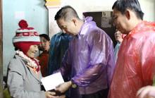 Đoàn công tác TP HCM hỗ trợ 3 tỉ đồng cho 3 tỉnh miền Trung