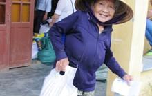Đồng hương Quảng Nam tại TP HCM trao thêm 200 suất quà cho người dân vùng lũ