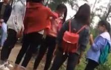 Xôn xao video clip 3 nữ sinh tát, đá tới tấp vào mặt bạn