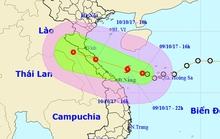 Bão đổ bộ vào Hà Tĩnh - Quảng Trị, cảnh báo mưa lớn