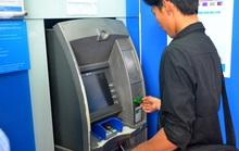 Lần thứ 2 NHNN yêu cầu 4 ông lớn dừng tăng phí rút tiền nội mạng ATM