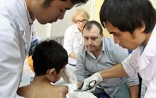 Mời đăng ký phẫu thuật miễn phí sẹo bỏng, dị tật tay