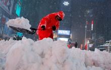 """Đông Bắc Mỹ """"đóng băng"""" vì bão tuyết"""