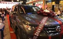 Đại gia địa ốc Sài Gòn thưởng xe hơi và nhà cho nhân viên