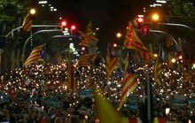Tòa Tây Ban Nha xuất chiêu với Catalonia trước giờ G