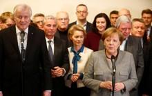 Bà Merkel vào thế khó
