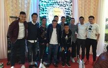 Tuyển thủ Việt mừng đám cưới tiền vệ Thắng điếc