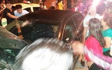 Cảnh sát gây tai nạn liên hoàn, cố thủ trong xe điên
