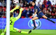 Pha hỏng ăn khó tin ở UEFA Champions League nữ
