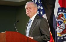 Chính quyền ông Trump biện hộ chuyện bắt người nhập cư trái phép tại tòa